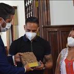 El Ayuntamiento de La Laguna rinde homenaje a Suso Santana por sus méritos deportivos